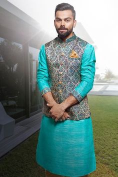 Here are the top 9 kurtas with blazer for women and men in India Be confidant and choose the best kurta with blazer. Mens Indian Wear, Mens Ethnic Wear, Indian Groom Wear, Indian Men Fashion, Men's Fashion, Fashion Suits, India Fashion, Wedding Kurta For Men, Wedding Dresses Men Indian