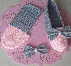Most Trendy Women's Knit Booties – Knitting And We Crochet Slipper Boots, Crochet Slipper Pattern, Knitted Booties, Knitted Slippers, Slipper Socks, Fast Crochet, Crochet Baby, Diy Crafts Crochet, Crochet Projects