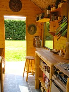 Handmade Matt: Kitchen and Bathroom Wagon - Off Grid Portable Home