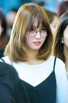Twice-Momo 170924 Incheon Airport to Singapore #kpop #fashion #airport #stage #2017 #new #hairstyle #style #hot #korean #girl