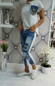 Blue Jean Outfits, Estilo Jeans, Painted Jeans, Denim Ideas, Denim Crafts, Recycle Jeans, Lace Outfit, Recycled Denim, Diy Clothing
