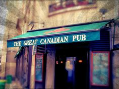 Hmmmm, could this be The Beaver Bar & Grill? An actual Canadian sports bar in Paris, The Great Canadian Pub, on the Quais de Seine. / Frenched by Melanie Harlow