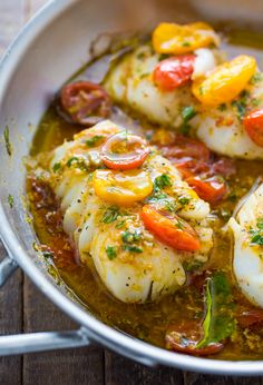 A quick and easy recipe for Pan-Seared Cod in White Wine Tomato Basil Sauce! Ingredients For the White Wine Tomato Basil Sauce: 2 tablespoon. Cod Fish Recipes, Salmon Recipes, Seafood Recipes, Cooking Recipes, Sauce Recipes, Diet Recipes, White Fish Recipes, Cooking Bacon, Recipes Dinner