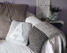 """Hand knit grey blanket by Dwa Guziki   Koc """"Double grey"""" DwaGuziki.pl"""