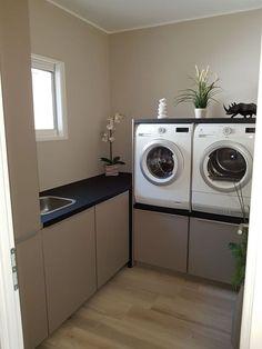 - wallpaper laundry room _ wallpaper l. Laundry Room Wallpaper, Laundry Room Rugs, Farmhouse Laundry Room, Small Laundry Rooms, Laundry Room Design, Laundry In Bathroom, Bathroom Rugs, Small Bathroom, Master Bathroom