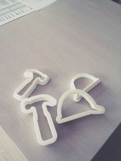 Custom 3D printed hardhat & hammer cookie-cutters for our favorite bakeryLoretta's Bake Shop and Cafe!