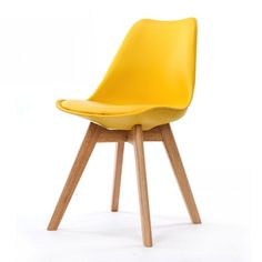 Chaise scandinave jaune de la marque Opjet chez KOTECAZ Scandinavian Chairs, Scandinavian Design, Chaise Design Pas Cher, Wood Chair Design, Chaise Chair, Scandi Style, Grey Chair, Occasional Chairs, Modern Chairs