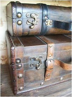 Suitcase decor!