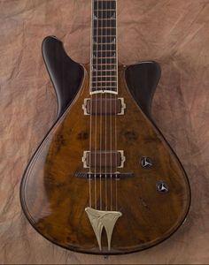 Jesselli custom guitar model Modernaire in walnut