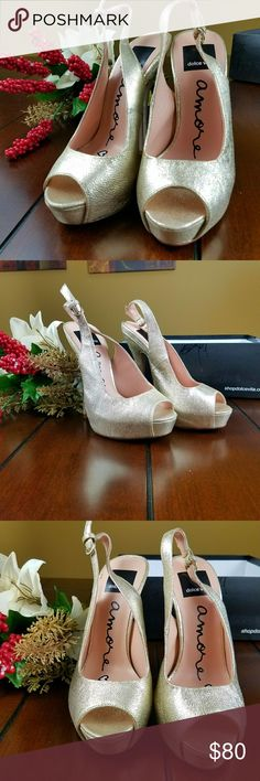 Dolce Vita Gold Leather Peep Toe Heels New in box. Size 6 M Style: Vivo Platinum Leather, Gold Shoes Heels