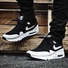 AM1 Ultra Moire (via extrabutterny) @ extrabutterny | Nike US | Finishline