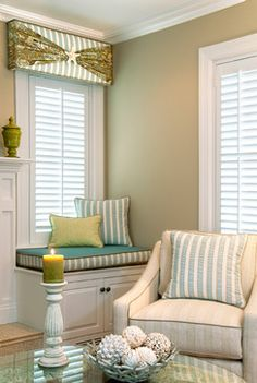 Lovely cornice with shutters. Also a cute little window seat. Room, Home Living Room, Beach House Living Room, Diy Window Treatments, Window Decor, Home Decor, Bedroom Decor, Interior Design, Window Cornices