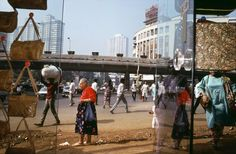 A Too-Perfect Picture - The New York Times / Kemps Corner, Mumbai, 1989. Credit Succession Raghubir Singh
