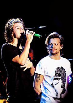   Harry Styles & Louis Tomlinson  