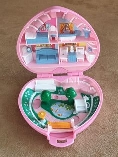Country Cottage Compact 1989 Polly Pocket Bluebird vintage pink heart Mattel #Mattel #HousesFurniture