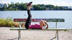 Workout you can do anywhere - lower abs.  Tee liikettä neljä kierrosta, 15-20 toistoa per kierros.