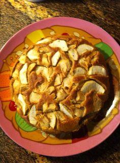 Bolo saudável! 2 chávenas de aveia 2 bananas 4 maçãs 4 ovos