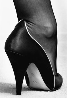 Helmut Newton, Walter Steiger, Vogue France, 1983, Paris  photo 