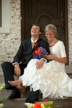 wedding couple photography // oh my goodness I love her dress!!! Especially the ruffles. ;)