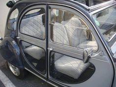 Citroen with transparent door panels Weird Cars, Cool Cars, Crazy Cars, Fiat 500, Vintage Cars, Antique Cars, Psa Peugeot Citroen, Automobile, 2cv6