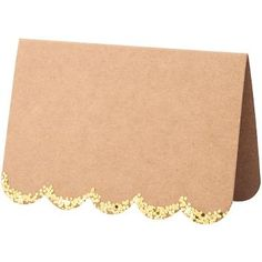 These stylish place cards are crafted with a natural finish paper, with a scallop edge embellished with chunky gold foil. Pack contains 10 place cards.  From Meri Meri.<br><br>Pack size: 4 x 2 x 1