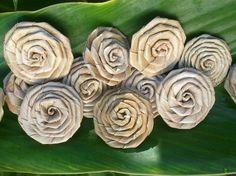 Mini Lauhala Roses. #roses #flowers