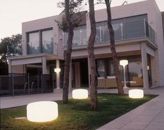Strategic Position For Placement Of Modern Outdoor Lighting Home Interior Design, Exterior Design, Interior And Exterior, Contemporary Outdoor Lighting, Contemporary Decor, Outdoor Rooms, Outdoor Living, Outdoor Decor, Vignette Photography