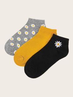 To find out about the Daisy Pattern Socks at SHEIN, part of our latest Socks & Tights ready to shop online today! Funky Socks, Crazy Socks, Cute Socks, Colorful Socks, Fashion Socks, Fashion Outfits, Womens Fashion, Daisy Pattern, Patterned Socks