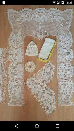 HUZUR SOKAĞI (Yaşamaya Değer Hobiler) Crochet Art, Filet Crochet, Sneaker Art, Shoe Art, Baby Booties, Diy And Crafts, Print Design, Projects To Try, Lace