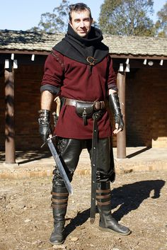 Awesome outfit, looks comfortable and badass at the same time- that's all you can ask for!