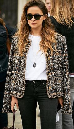 Made from the best quality suiting tweed, as befits a Chanel creation. Fully lined in colour matched Chanel's CC logo jacquard signature silk lining fabric for comfort. Gold chain embellished hem, an iconic symbol of a genuine Chanel jacket. Chanel Blazer, Chanel Jacket, Chanel Outfit, Chanel Coat, Chanel Paris, Mode Outfits, Casual Outfits, Fashion Outfits, Jackets Fashion