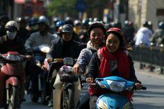 Girls scooter in Hanoi (Vietnam)