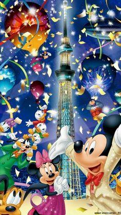 Happy Graduation Mister Wendenn from::: family of Mickey Mouse and friends[Kids Incorporated] Walt Disney, Disney Fun, Disney Pixar, Disney Characters, Mickey Mouse Wallpaper, Disney Phone Wallpaper, Cute Disney Pictures, Disney Images, Mickey Mouse And Friends
