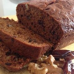 Find moist and sticky date cake recipes, including the classic date and walnut cake, date loaf cakes, banana date cake and lots more. Loaf Recipes, Baking Recipes, Dessert Recipes, Diabetic Cake Recipes, Walnut Recipes, Pudding Recipes, Cupcake Recipes, Toffee, Date And Walnut Loaf