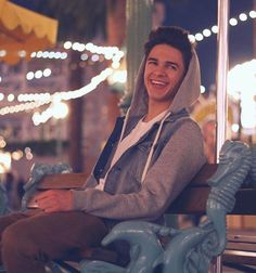 Brent Rivera sit on the chair and smiling Youtube Boyfriend, Brent Rivera, Youtube Stars, Huntington Beach, Youtubers, Famous People, Beautiful Men, Guys, My Love