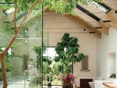 ห้องน้ำโปร่งโล่งด้วยหลังคากระจก หรือหลังคาสกายไลท์