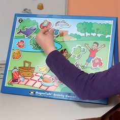 PUPITRE MAGNÉTICO GA423 Este pupitre con 1 acabado de calidad es una fuente de actividades de aprendizaje y de reeducación.