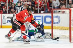 Kruger's goal... Blackhawks beat the Canucks 3-1 to clinch 7th straight playoff berth 04/02/2015