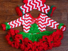 Baby Christmas Tutu Chevron Outfit with Chevron por babyOclothing Christmas Tutu, Girls Christmas Outfits, Christmas Costumes, Chevron, Girl Outfits, Holiday Decor, Cute, Clothes, Costumes