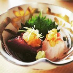 造り 戻り鰹天然鯛昆布締め 新鮮なお料理と拘り抜かれた盛り付けをお楽しみ下さいませ sashimi It is a Japanese food restaurant in Kyoto Gion. Please enjoy it was kept on associating with a fresh dish serving it.  #Gionkaryo #Kyoto #happy #Gion #dericious #instagood #beautiful #follow #love # #cute #like4like #aritsune #craftsmanship #sashimi #kaiseki #selfiesunday #chef #yummy #instagramjapan #日本料理 #祇園迦陵 #food #迦陵 #懐石料理 #京都 #Japanese #有恒 #料理人 #japanesecuisine #japan by kyoto_gion_karyo