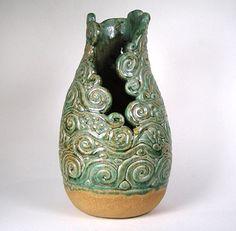Vaso en espiral verde y tostado por WhistlingFishPottery en Etsy