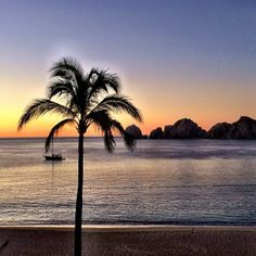 Dawn in #Cabo San Lucas.    Photo courtesy of 1worldtravel on Instagram.