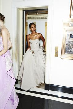Spring's Most Mesmerizing Ball Gowns Stop Traffic in Manhattan – Photos – Vogue