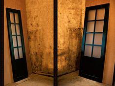 Раздвижная деревянная межкомнатная перегородка и двери. Эмаль RAL 6005. Модель Решётка. Заполнение - матовое стекло. Divider, Room, Furniture, Home Decor, Homemade Home Decor, Rooms, Home Furnishings, Decoration Home, Arredamento