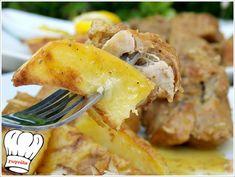ΧΟΙΡΙΝΟ ΨΗΤΟ ΚΑΤΣΑΡΟΛΑΣ ΛΕΜΟΝΟΜΟΥΣΤΑΡΔΑΤΟ ΜΕ ΠΑΤΑΤΕΣ ΜΠΛΟΥΜ!!! - Νόστιμες συνταγές της Γωγώς! Mashed Potatoes, Diet, Chicken, Ethnic Recipes, Food, Whipped Potatoes, Smash Potatoes, Loosing Weight, Hoods