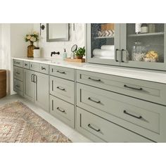 Atlas Homewares This charming take on a traditional D-pull with soft rounded edges and a prominent foot, complemented by a round knob with detailed edges. Kitchen Cabinet Colors, Kitchen Redo, New Kitchen, Kitchen Remodel, Remodel Bathroom, Kitchen Ideas Color, Warm Kitchen Colors, Cabinet Paint Colors, White Kitchen Cabinets