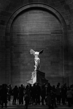 Nike by Samothrace Louvre Museum Paris The themes within The Basic need connected with Bronze Renaissance Kunst, Winged Victory Of Samothrace, Art Et Architecture, Greek Art, Aesthetic Art, Aesthetic Wallpapers, Art History, Art Photography, Fine Art