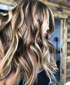 Brown Hair with Highlights #brownhair #brunette #highlights #balayage #balayagehighlights