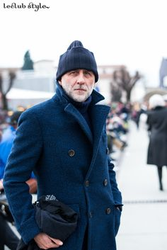 Menswear Street Style by Ángel Robles. Portrait at Pitti Uomo, Florence. Fashion Photo, Men's Fashion, Fashion Design, Elements Of Style, Cool Street Fashion, Street Style Looks, International Fashion, Top Coat, Style Men
