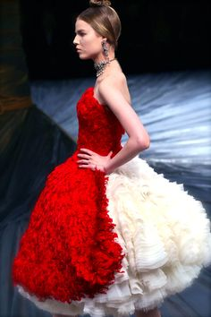 Alexander McQueen F/W 2008......almost more ruffles than a girl knows what to do with…almost.